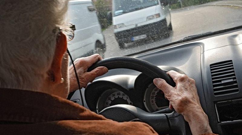 rinnovo patente cagliari anziani autoscuola a cagliari età massima over 80