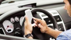 ritiro della patente codice della strada alcool cellulare smartphone autoscuola cagliari