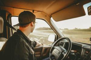 Ecco le 4 cose che non puoi fare se non hai la patente di guida di tipo b