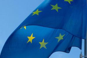 la patente di guida italiana rilasciata anche dalla nostra autoscuola a Cagliari non è a norma secondo l'UE
