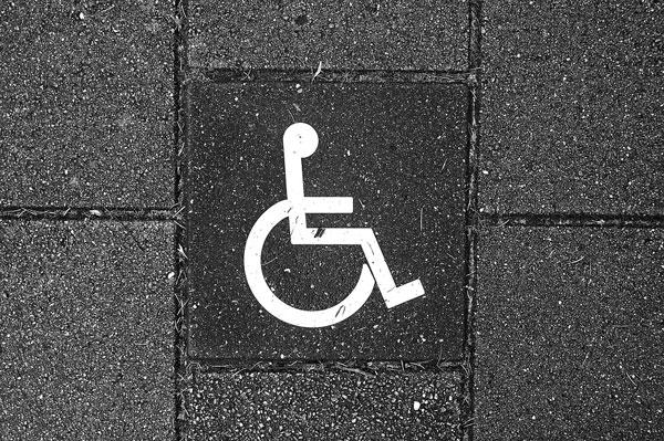 autoscuola e disabilità: patente speciale per invalidi