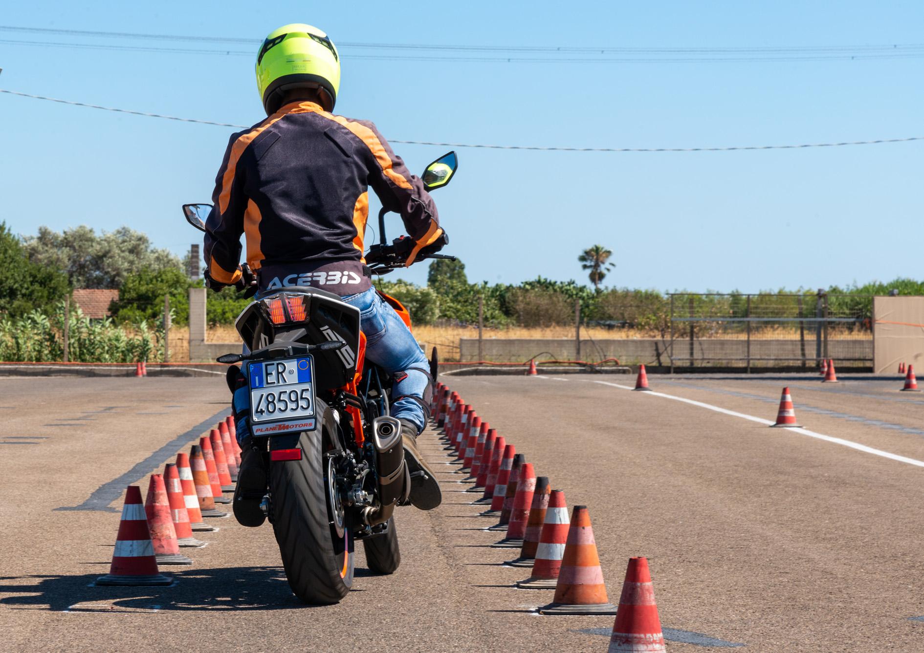 Pista moto Patente A Cagliari L'Autoscuola.net